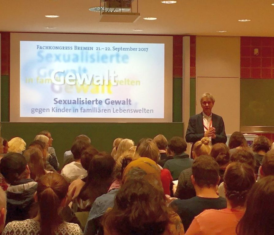 Sexual Violence in Families – Conference in Bremen Focusses on Networking and Cooperation